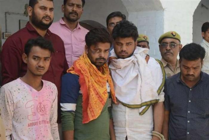 कानपुर मे ट्रांसपोर्टर ने साथियों के साथ लूटा था 26 लाख का चमड़ा लदा ट्रक, चार गिरफ्तार