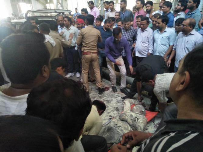 जिला कानपुर की आयुध निर्माणी फैक्ट्री में गन टेस्टिंग के समय धमाका, इंजीनियर की मौत, आठ गंभीर