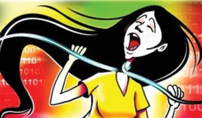 कानपुर मे शोहदे की हरकतों से आजिज आकर युवती ने फांसी लगाकर दी जान