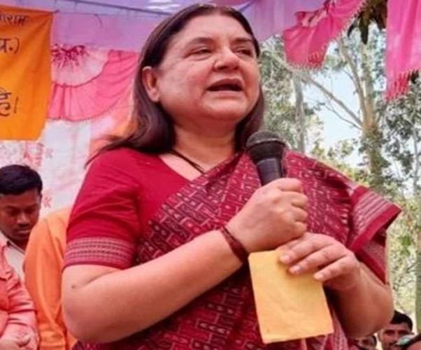 भाजपा प्रत्याशी मेनका गांधी ने एक बार फिर वोटरों को दिखाए तेवर, बोलीं- जैसा वोट, वैसा विकास