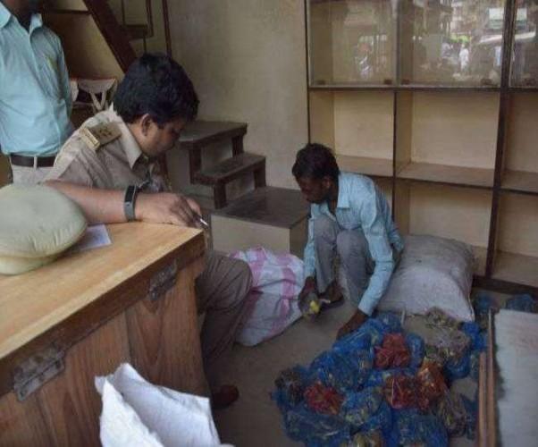 जिला गोरखपुर में गुटखा कारोबारी के ठिकानों पर छापे, पांच करोड़ से ज्यादा की जीएसटी चोरी मिली
