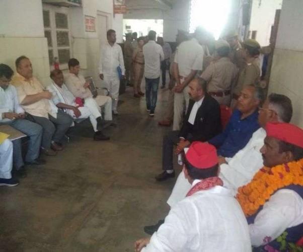 लखनऊ के मोहनलालगंज से BSP के सीएल वर्मा और कांग्रेस के आरके चौधरी ने किया नामांकन