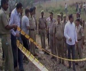 संत कबीर नगर में रेलवे ट्रैक के पास विस्फोट, एक घायल; तीन देसी बम बरामद