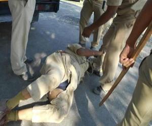 संतकबीरनगर में खनन के विरोध पर लाठियां, पथराव में सीओ और एसडीएम तक को चोट