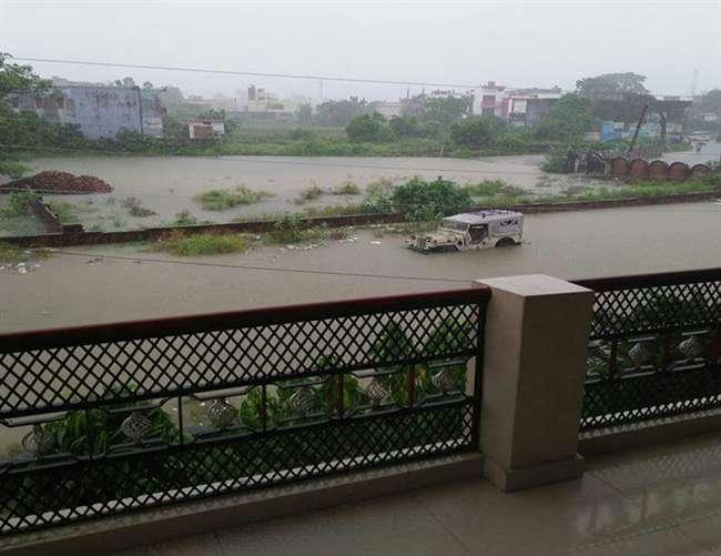 सिद्धार्थनगर में बाढ़ की विकराल स्थिति, प्रमुख नदियों में उफान