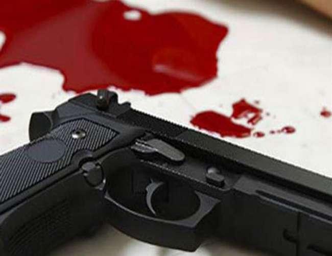 संतकबीर नगर में ग्राम प्रधान की हत्या, पत्नी घायल