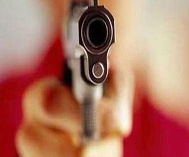 गाजियाबाद में 24 घंटे में तीसरी वारदात, बुजुर्ग को सरेआम गोली मार लूटी नकदी