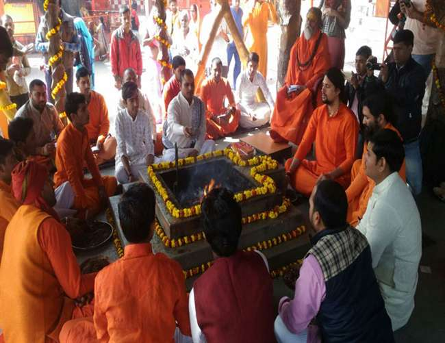 अयोध्या मंदिर विवाद की सुनवाई के दौरान इलाहाबाद में सुंदर कांड का पाठ