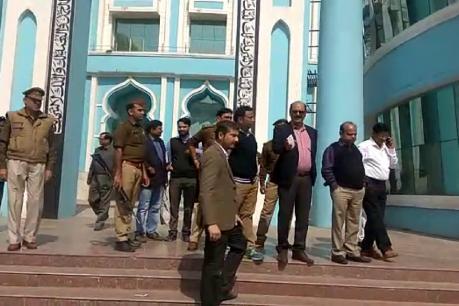 गाजियाबाद मे  NGT के आदेश पर जिला प्रशासन ने किया हज हाउस को सील