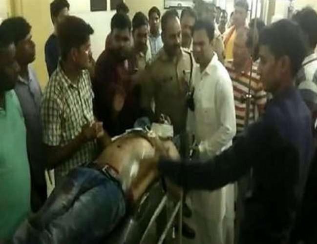 जनपद गोरखपुर के चर्चित डॉक्टर कफील के प्रापर्टी डीलर भाई पर जानलेवा हमला