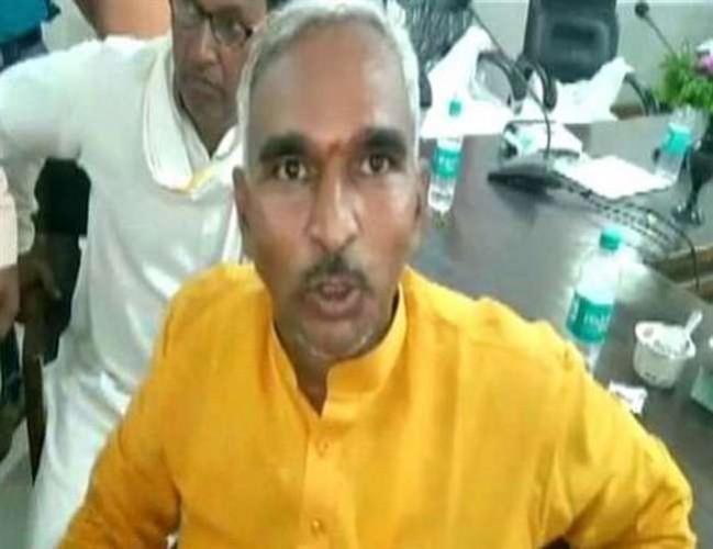 बलिया की उपेक्षा से नाराज भाजपा विधायक सुरेंद्र सिंह करेंगे सत्याग्रह
