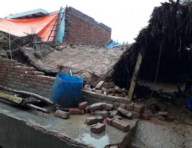 जिला गाजियाबाद में पांच मंजिला इमारत गिरी, किसी के हताहत होने की खबर नहीं