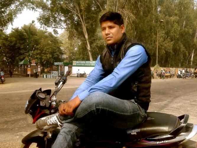 बीमा कर्मी को गोली मारी और बीमा के  लाखों रुपये लूटे लूट