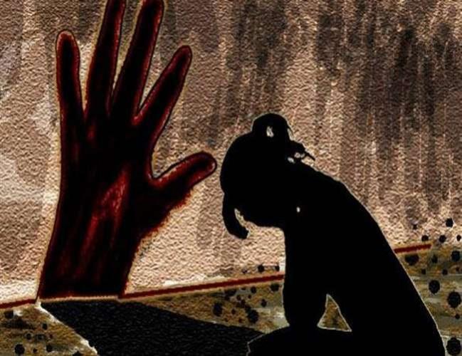 आजमगढ़ मे मदरसे में प्रबंधक पुत्र ने मासूम संग किया दुराचार, तोडफ़ोड़