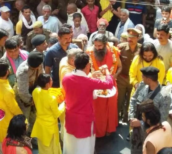 योग गुरु बाबा रामदेव ने कहा मैं सर्वदलीय अौर निर्दलीय हूं, राम मंदिर अभी नहीं तो कभी नहीं