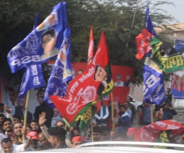 सपा-बसपा कार्यकर्ताओं में दिखी करीबी, रैली कर दिखाएंगे ताकत