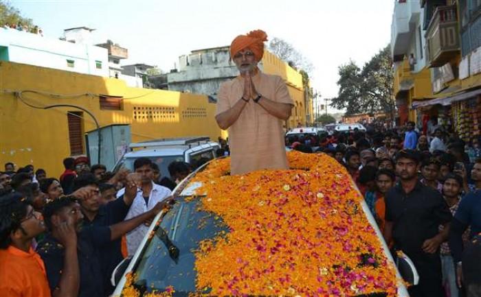 वाराणसी में पीएम नरेंद्र मोदी की बायोपिक में अभिनेता विवेक ओबेरॉय इन दिनो बिजी