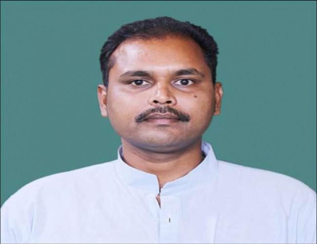 जिला हरदोई से टिकट कटने पर भाजपा सांसद अंशुल वर्मा ने कहा-क्या भाजपा में दलित सबसे नकारा