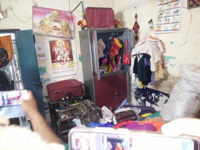 आलमबाग थाना क्षेत्र अंतर्गत पांच घरों का ताला तोड़कर नकदी समेत लाखों की ज्वैलरी चोरी