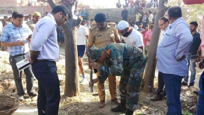 जिला फर्रुखाबाद में खेलते समय आठ साल की बच्ची बोरवेल में गिरी, बचाव में जुटी सेना