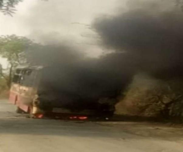 जिला फीरोजाबाद में रोडवेज बस बनी आग का गोला