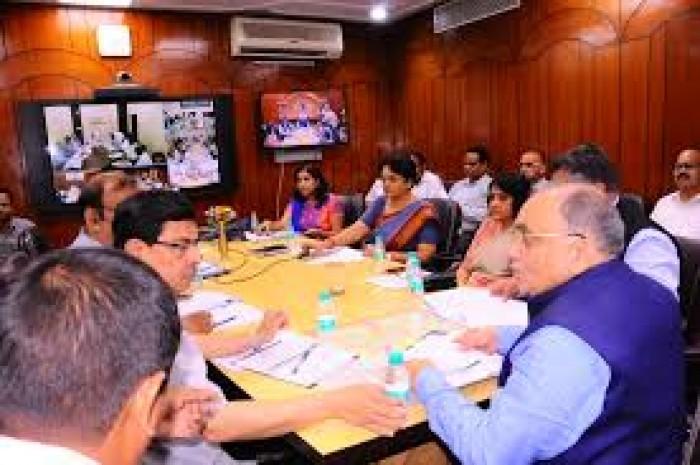 UP मुख्य सचिव ने दिए सख्त आदेश, कहा- अवैध शराब की बिक्री पर डीएम व एसएसपी भी नपेंगे