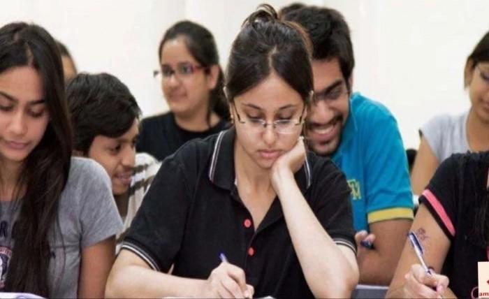 मथुरा में 4303 अभ्यर्थियों ने छोड़ी अधीनस्थ सेवा चयन आयोग की परीक्षा