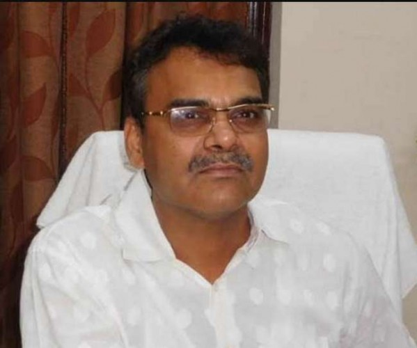 जिला अलीगढ़ में डीएम बोले,काम नहीं हो रहा तो पद छोड़ दें एसडीएम-तहसीलदार
