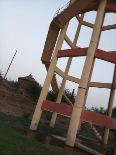 मथुरा के कस्बा सहार मैं जल पूर्ति न होने के कारण ग्रामीणों में रोष