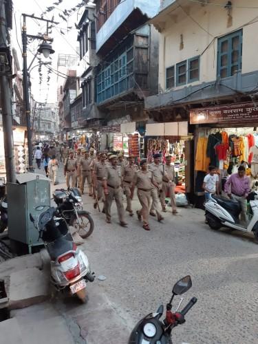 मथुरा में पुलिस प्रशासन द्वारा शहर की व्यवस्थाओं का किया निरीक्षण,