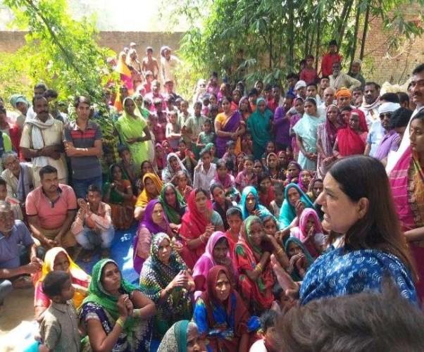 सुल्तानपुर के दौरे पर बोलीं नवनिर्वाचित भाजपा सांसद मेनका गांधी मां के तौर पर सेवा करने आई हूं