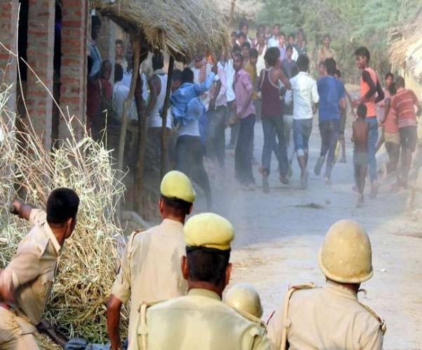 जिला कौशांबी में पुलिस और ग्रामीणों के बीच संघर्ष, मारपीट और फायरिंग से पुलिस समेत कई घायल