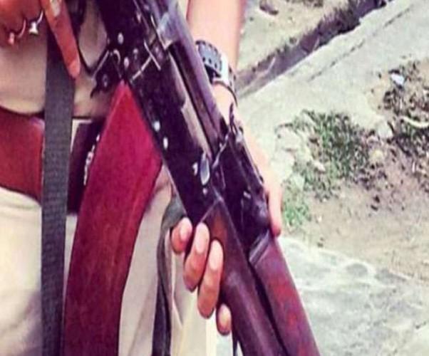 जिला आजमगढ़ में मुठभेड़ के दौरान बदमाश को लगी गोली, एक गिरफ्तार, दूसरा मौके से फरार