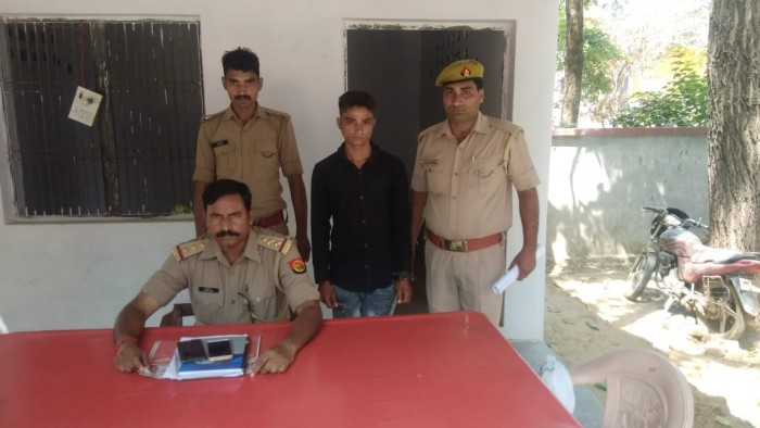 अलीगढ़ ,गगीरी पुलिस में पॉक्सो एक्ट में वांछित चल रहे अपराधी को पकड़ा