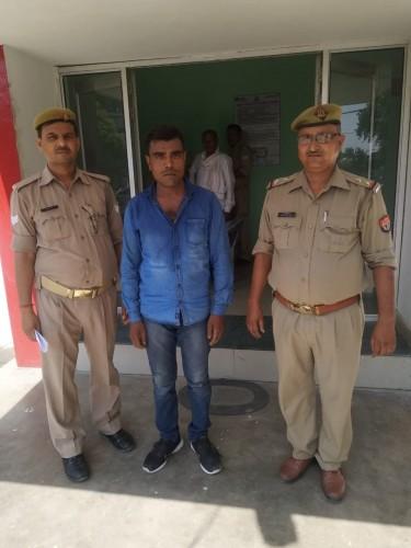 मोहनलालगंज पुलिस ने वांछित अभियुक्त को गिरफ्तार कर भेजा जेल