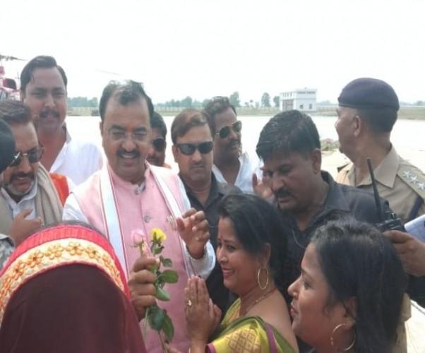 जिला कुशीनगर में डिप्टी सीएम के कार्यक्रम के पहले हंगामा, सुभासपा विधायक के खिलाफ नारेबाजी