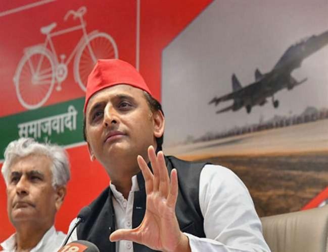 राजनीतिक विद्वेष के चलते सपा कार्यकर्ताओं पर टूट रहा भाजपा का कहर: अखिलेश
