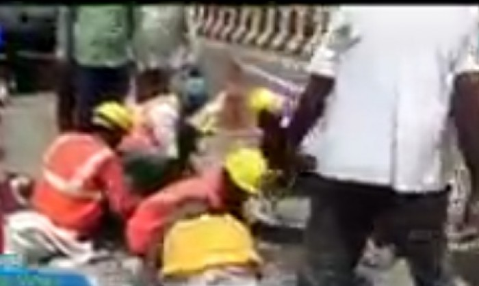 मथुरा के यमुना पुल पर आई दरारें, सेतु निगम के अधिकारियों की उड़ी नींद, पुल पर मरम्मत कार्य जारी