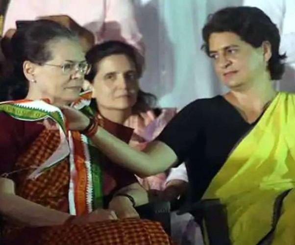 सोनिया गांधी संग प्रियंका वाड्रा ने कोऑर्डिनेटर के साथ की बैठक, चिंतन-मंथन में 2022 पर हुई चर्चा