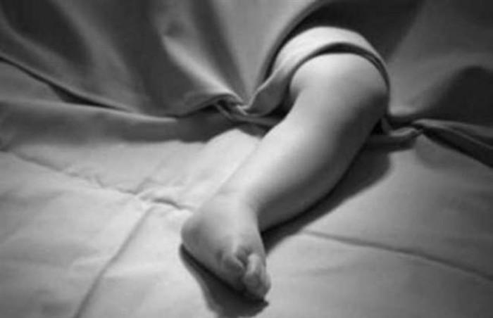 हरदोई मे पति-पत्नी के विवाद में मां की गोद से गिरकर बच्चे की मौत