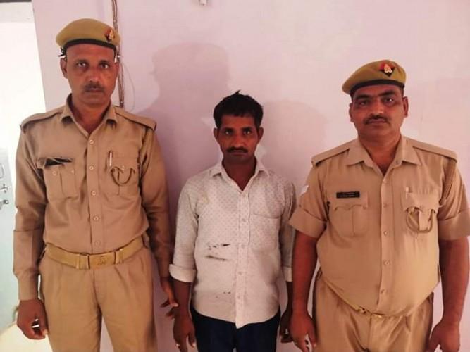 मथुरा की बरसाना पुलिस ने एक शातिर अपहरणकर्ता के चंगुल से छुड़ाया बच्चा