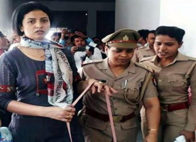 भारतीय क्रिकेट शमी की पत्नी हसीन जहां पुलिस के खिलाफ पहुंची हाई कोर्ट, गलत बर्ताव का आरोप
