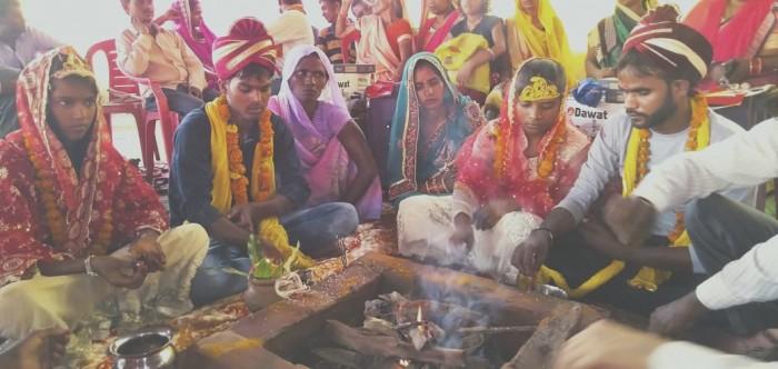 मुख्यमंत्री सामूहिक विवाह योजना 80 जोड़ों ने जयमाला डाल कर थामा एक दूसरे का हाथ