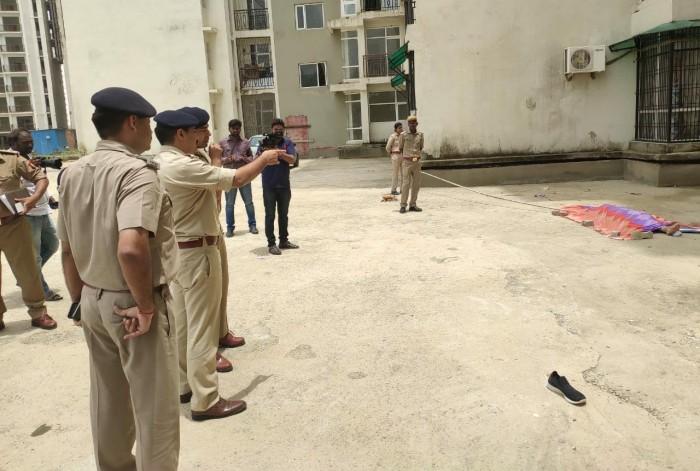 पीजीआई थाना क्षेत्र अंतर्गत अपार्टमेंट के नौंवी मंजिल से नवविवाहिता ने लगाई छलांग ,मौत