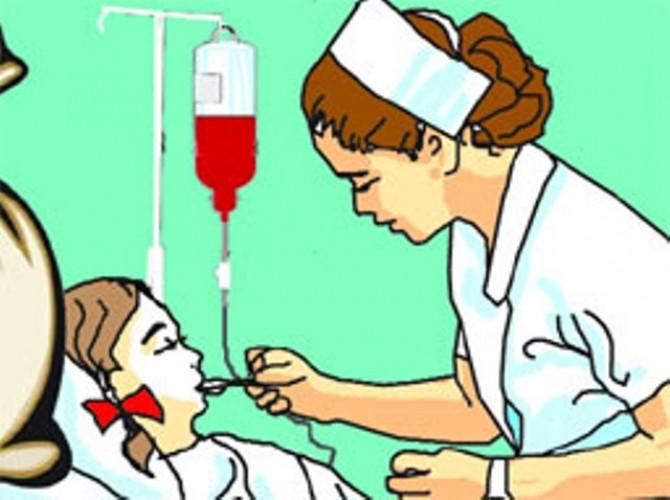 बहराइच में मरीजों की जान से खिलवाड़ स्टाफ नर्स चला रही क्लीनिक