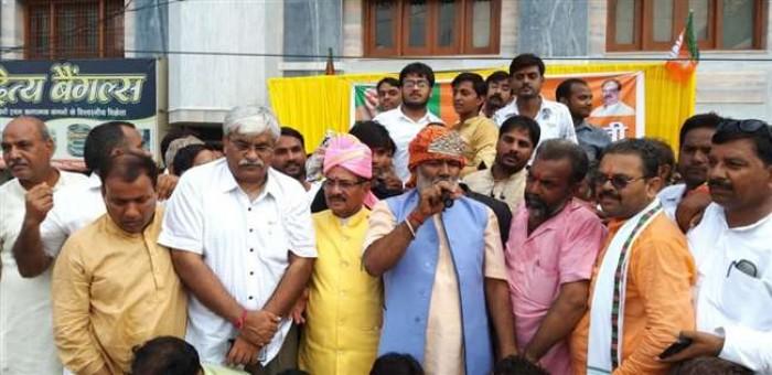 फीरोजाबाद जिले में स्वतंत्र देव बोले, प्रधानमंत्री ने मुस्लिम महिलाओं को तीन तलाक से दिलाया छुटकारा