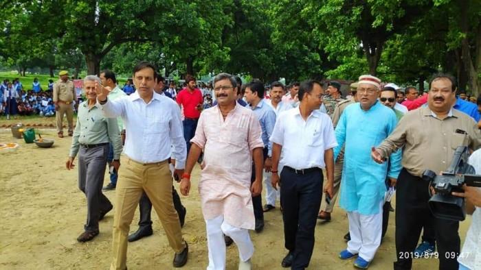 भारत छोड़ो आंदोलन की 77वीं वर्षगांठ पर काशी में हुआ रिकॉर्ड एकदिनी वृक्षारोपण