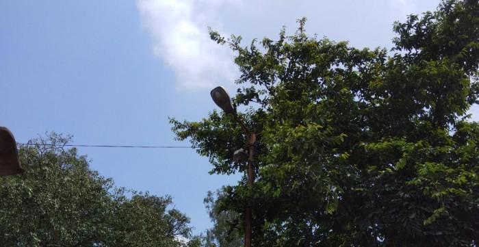 मोहनलालगंज क्षेत्र में खराब पड़ी मर्करी ग्रामीणों में आक्रोश शासन प्रशासन सुस्त