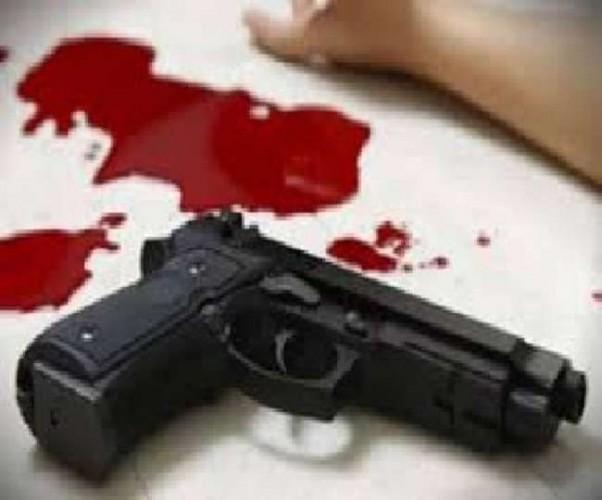 गाजियाबाद मे महिला को पीट रहा था शख्स, बचाने गए भाजपा नेता को कनपटी पर मारी गोली
