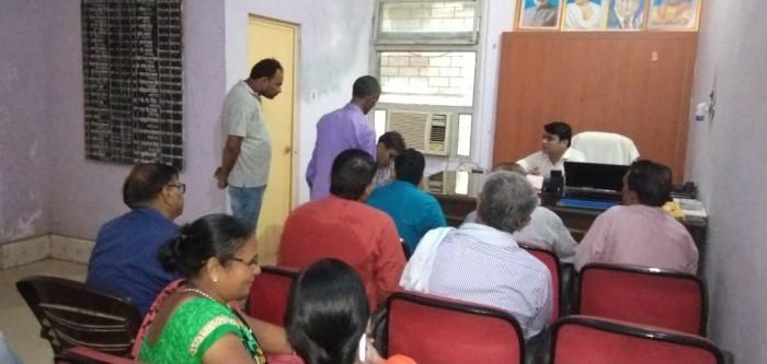अलीगढ़,डीएम के निर्देश पर एसडीएम अतरौली ने तहसील मुख्यालय पर जनता दरबार में सुनी फरियादियों की समस्याएं